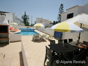 Albufeira Holiday Villa - Walk to Beach - Heated pool - WiFi - Picture 5
