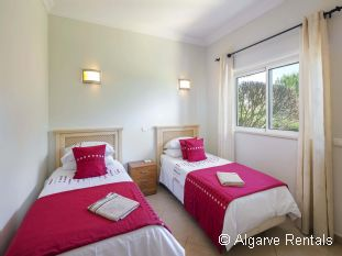 West Algarve 3 Bedroom Villa - Boavista Golf - Picture 5