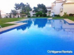 Albufeira 2 Bedroom Apartment - Praia da Oura Area- Walk to Beach - Picture 4