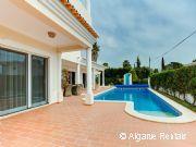 Algarve Luxury 4 bedroom Self-Catering Holiday Villa. Heated Pool - Picture 2