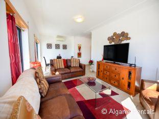 Sea View Algarve Holiday Apartment - Meia Praia, Lagos. 3 Bedrooms - Picture 2
